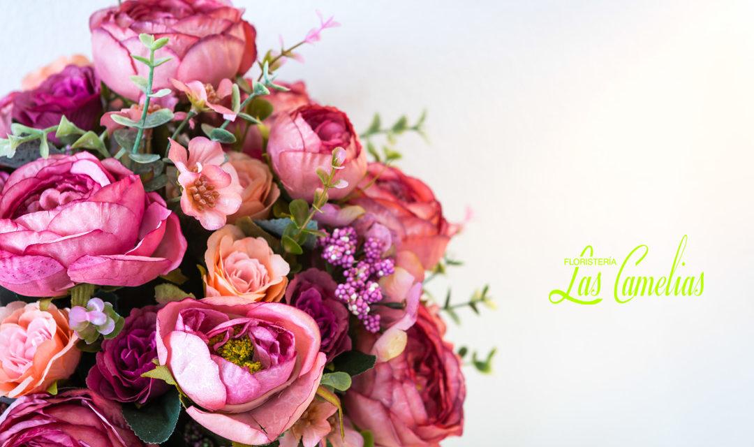 Decorar con flores secas y artificiales